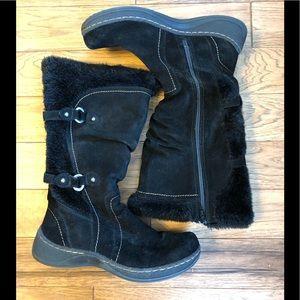 St. John's Bay winter boots 8